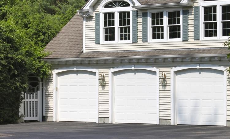 Colonial Style Garage Doors The Emerald Series Fagan Door